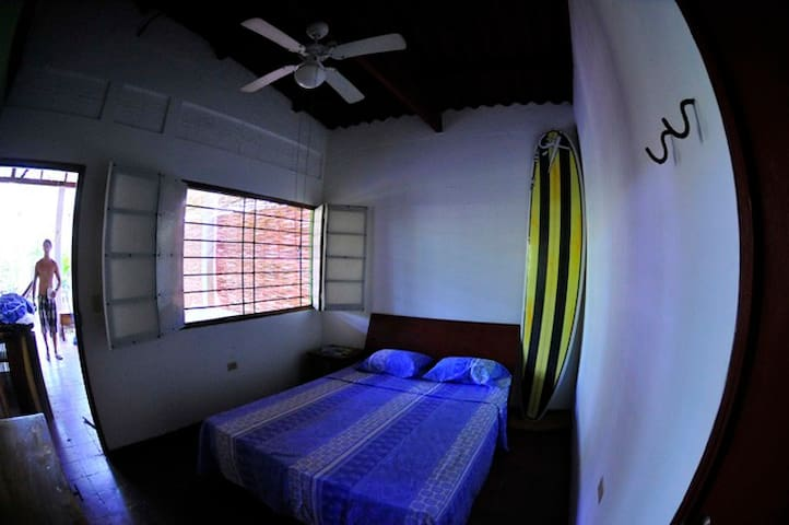 Surf hostel in Playa El Tunco - La Libertad, El Salvador - Casa