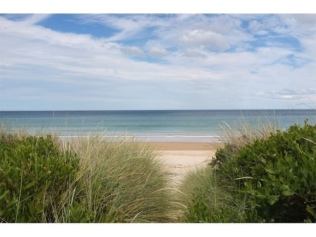 Views, Surf beach on your doorstep! - Beaumaris - Maison