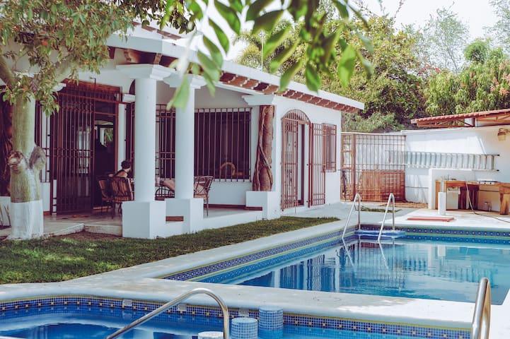 Perro Azul - Luxury Lodge