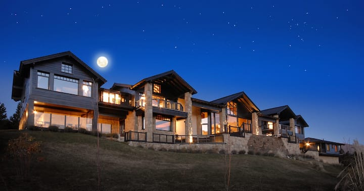 Luxury Mansion with amazing views in Bariloche.