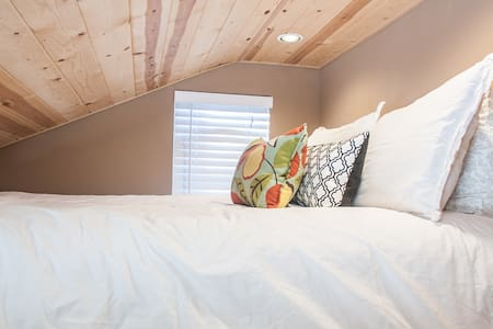 Cutest Studio Loft in Bend! - Loft