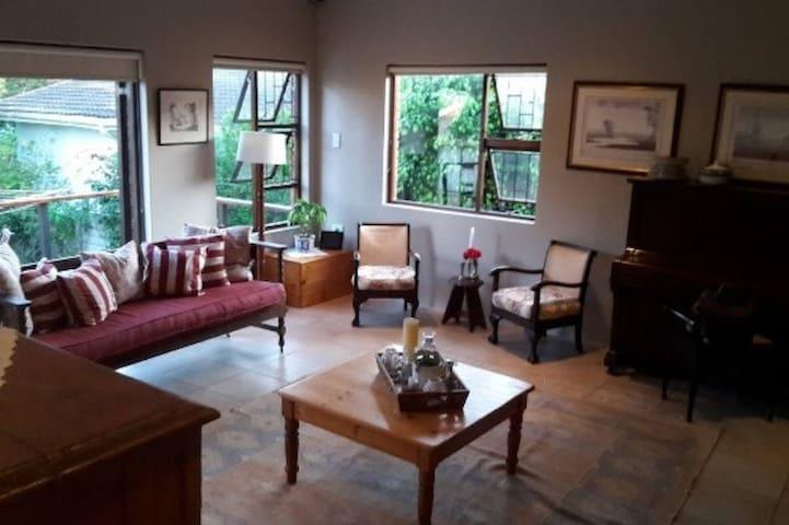 Large Apartment quiet neighbourhood - Øst-London - Leilighet