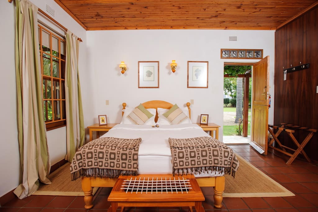 Cosy accommodation for a couple garden room boutique for Boutique hotels for couples