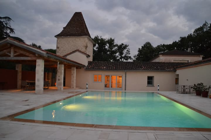 Charming house with heated pool