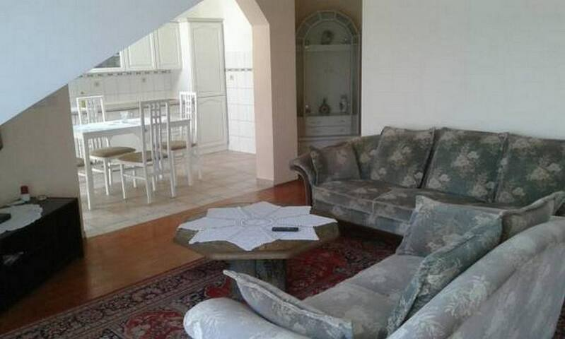 Apartments Amos -Lovely 3Bedroom Ap with Balcony
