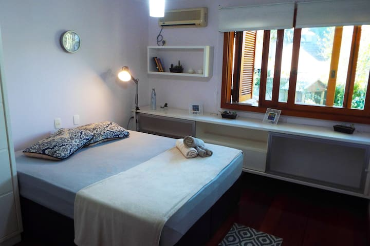 Room in great house for you, digital nomad.