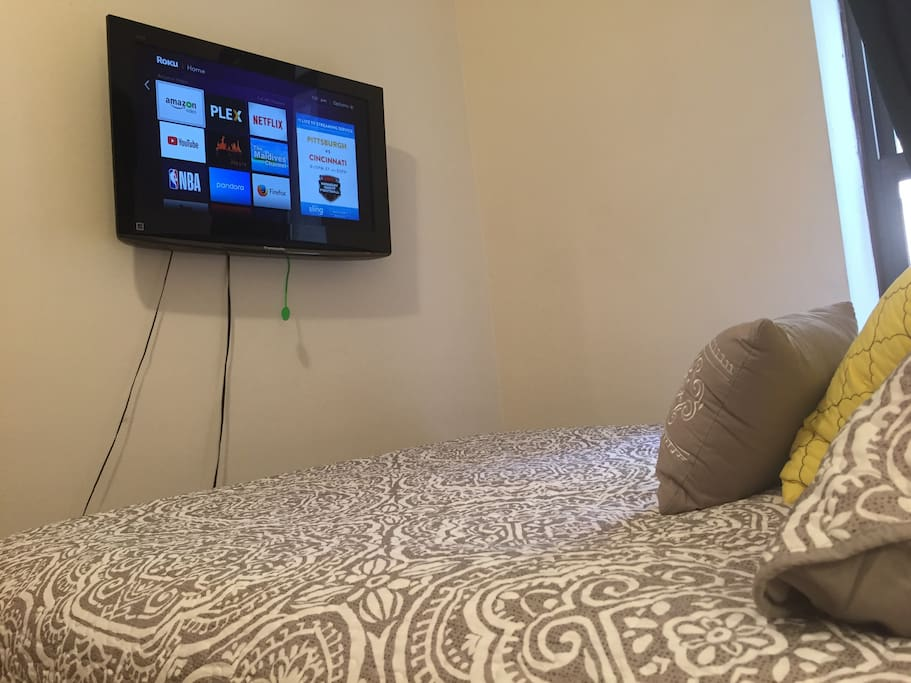 Smart TV so you can watch your favorite TV shows after a long day in the city