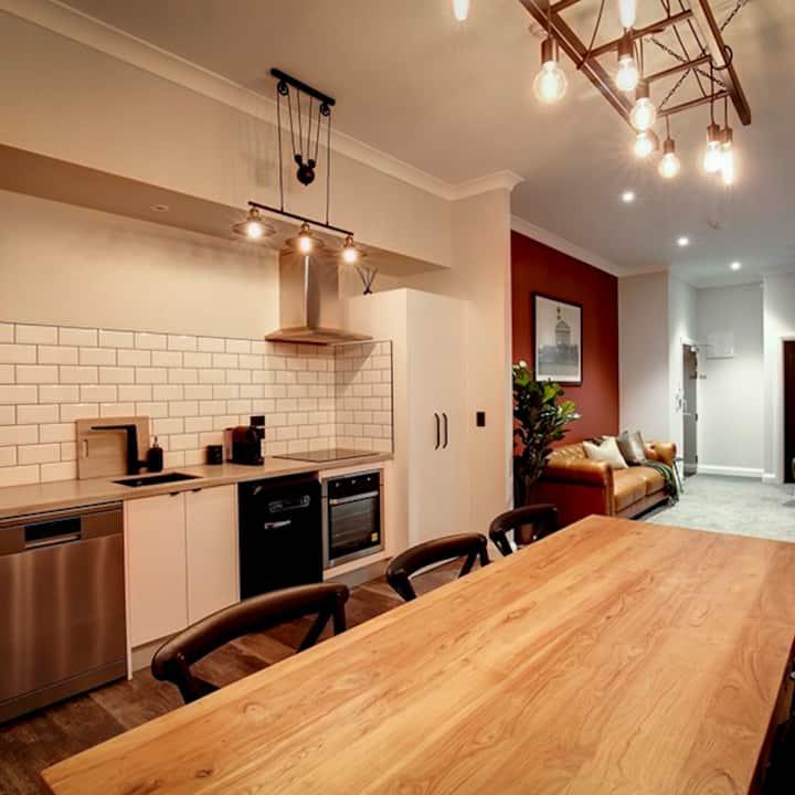 Hokitika Firestation - Chief Henshaw Apartment