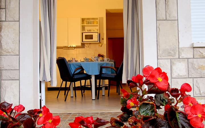 2 persons Comfort apartment Trogir