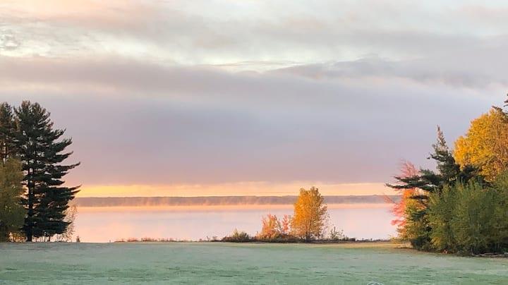 Maguire's Great Sacandaga Lake B&B -hideaway