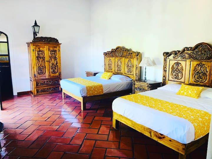 """Habitacion """"El Guayabo"""" - Casa Caroline Bella"""