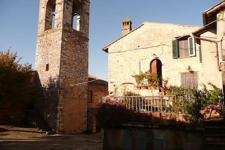 Casa della torre in borgo medievale - Stroncone - Apartment