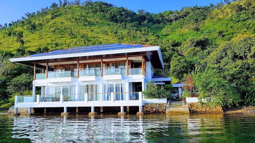 Anya - Bed & Breakfast (Island home)
