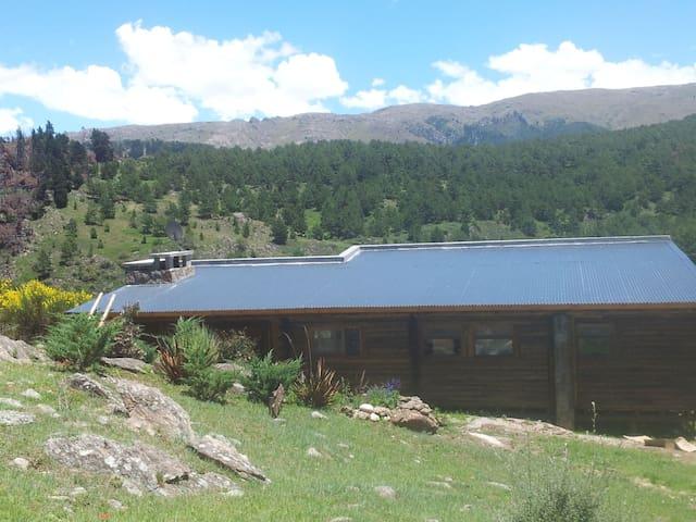 Cabaña de Montaña con mucho confort - La Cumbrecita