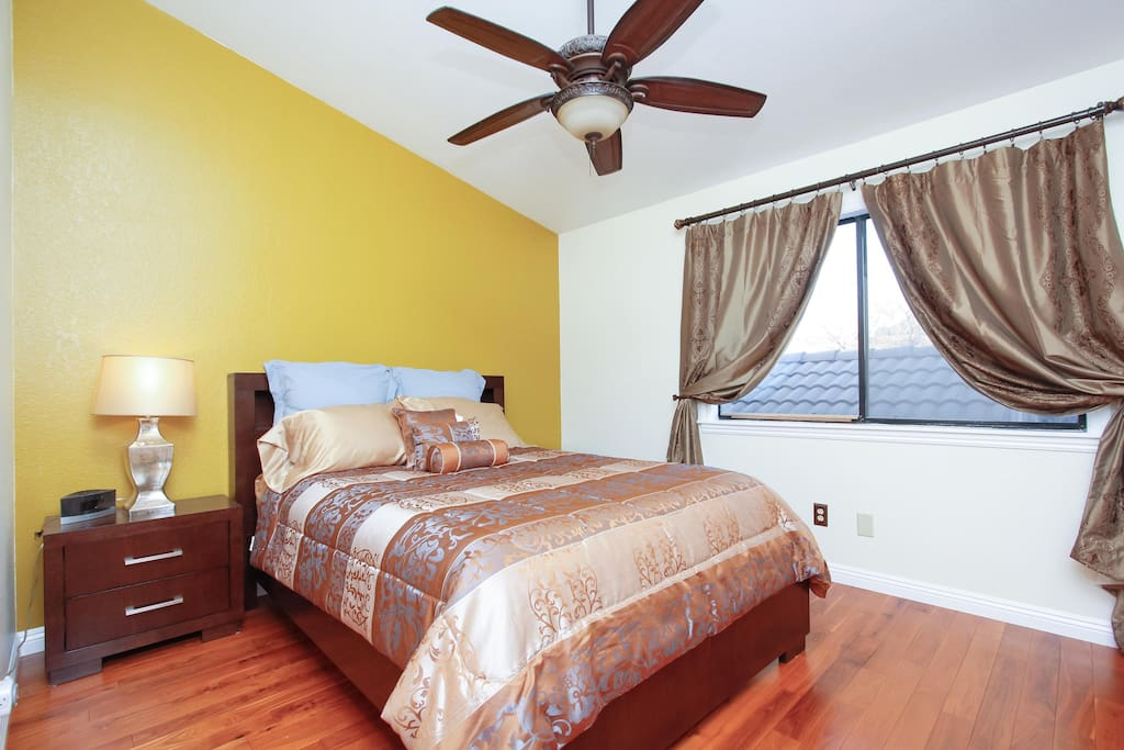 Second upstairs bedroom with a Queen size bed, pillow top mattress.