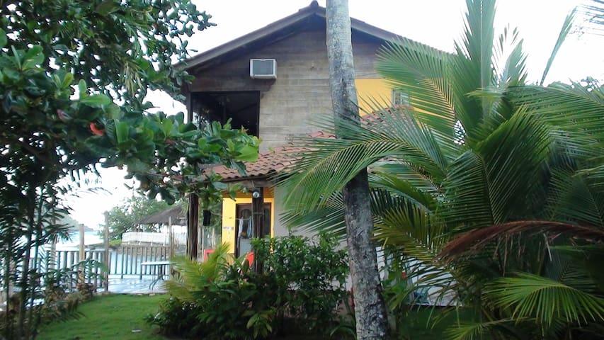 Beach House Ocean Front! - Isla Grande - Srub