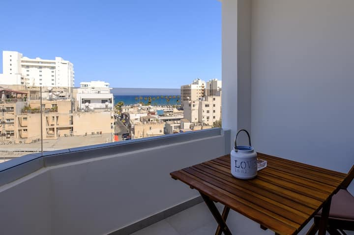 Lazuli City Seaview Apartment 501A