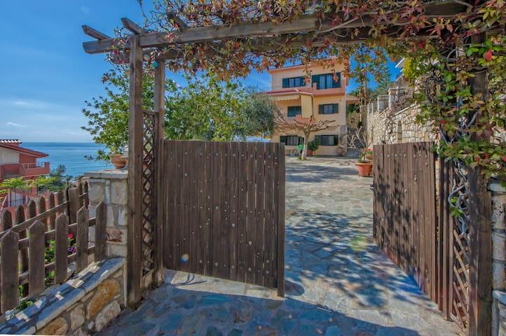 Villa Giovanni - Βράχος - Apartamento