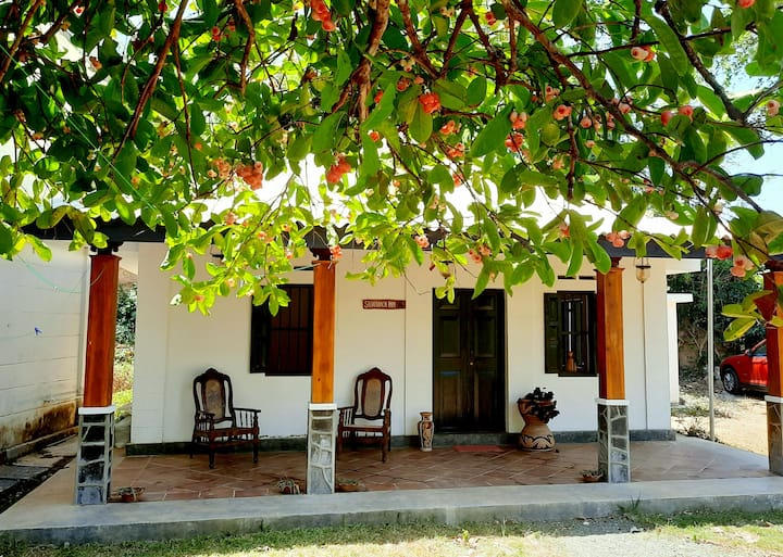 2 Bedroom House 10mins walk from Weligama Beach