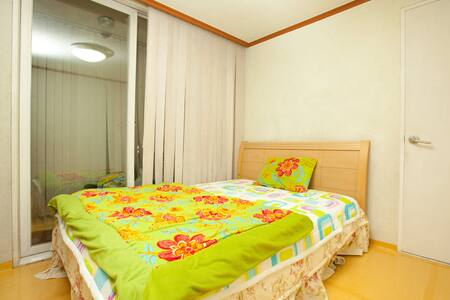 Privat Room nearby Shinchon&Hongdae - Seoul - Apartment