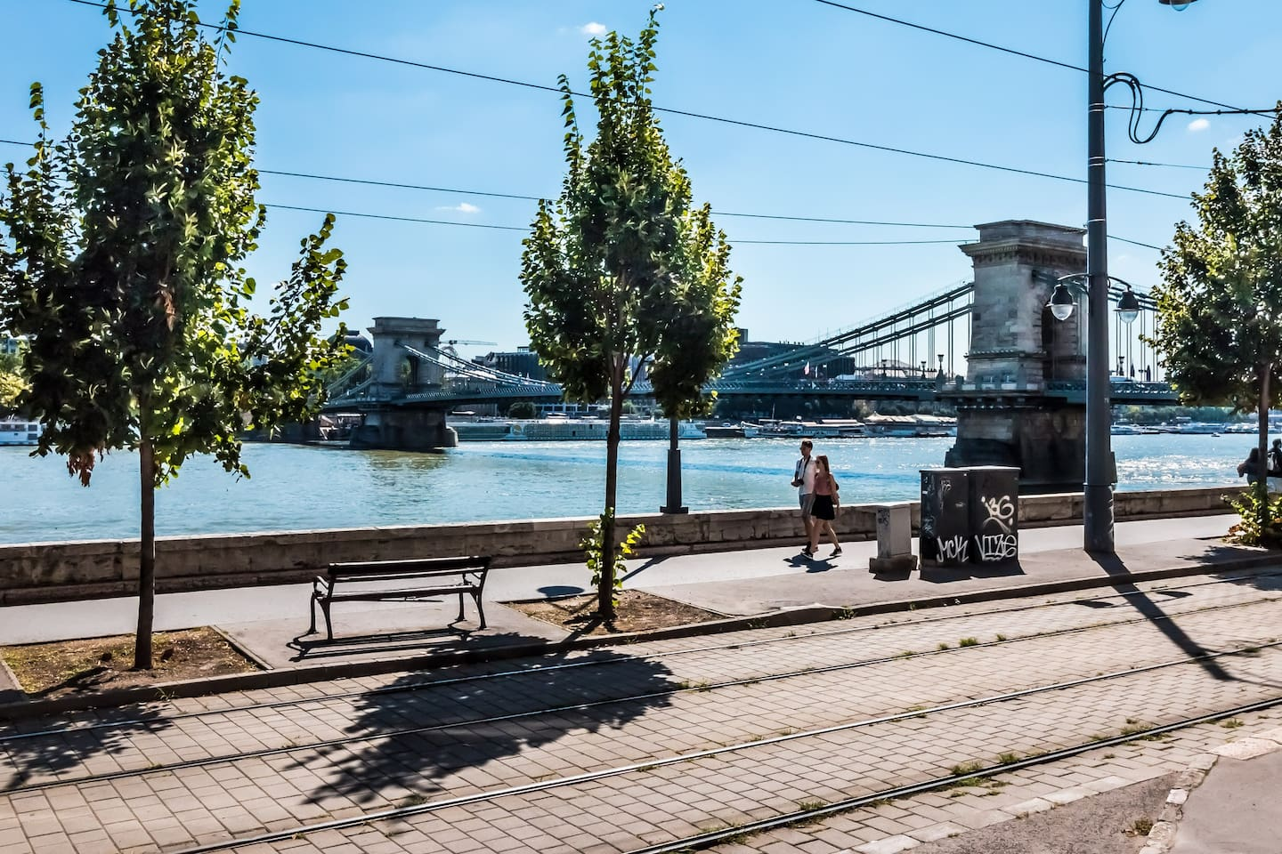 Beautyful large 2 Bedroom flat on ground floor, close to Buda Castle with Danube Panorama