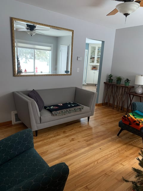Beautiful home in Northeast (no cleaning fee)