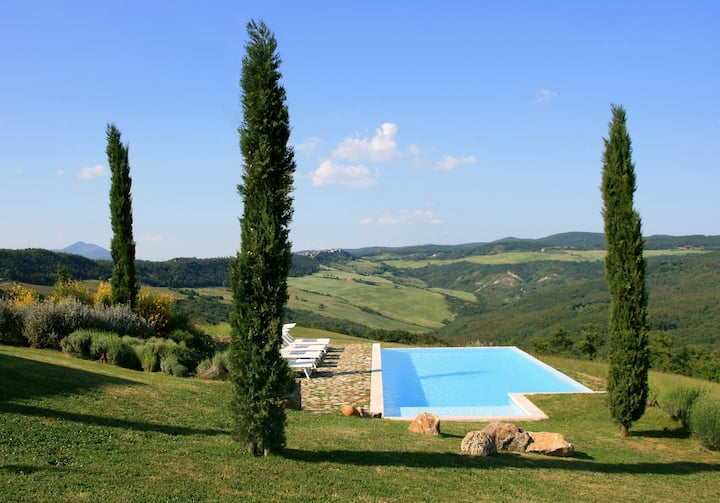 Magnificent Tuscan Villa, amazing interiors & view