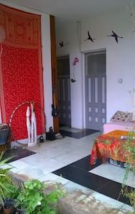einfaches  Zweibett zimmer - Apartment