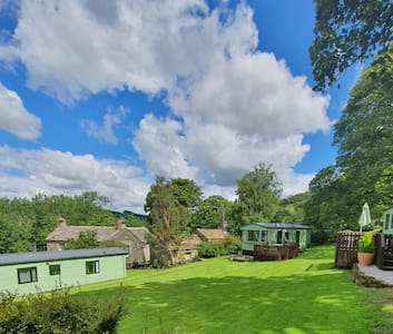 Yorkshire Dales  2 bedroom lodge at Howgill Farm