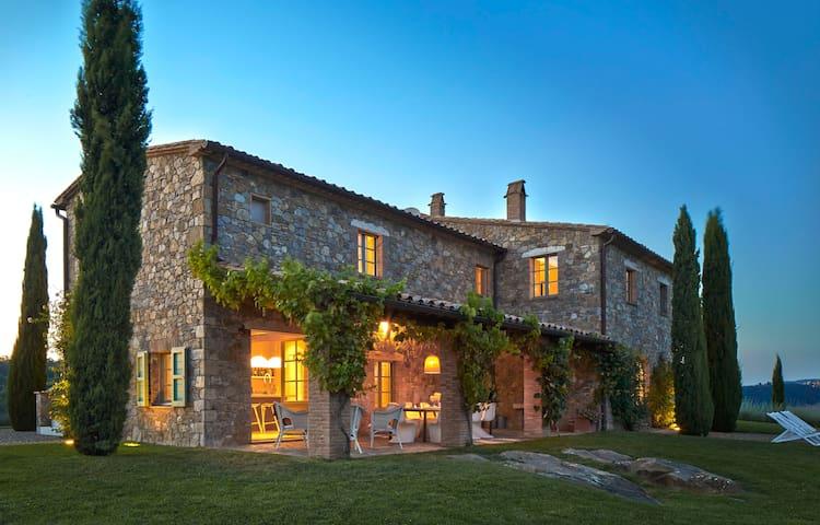 Podere Palazzo hilltop villa - Acquapendente - 別荘