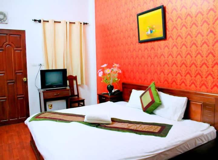 Cosy room for budget travel close Hoan Kiem Lake