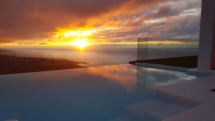 Villa Los Olivos - private, heatable pool,  views