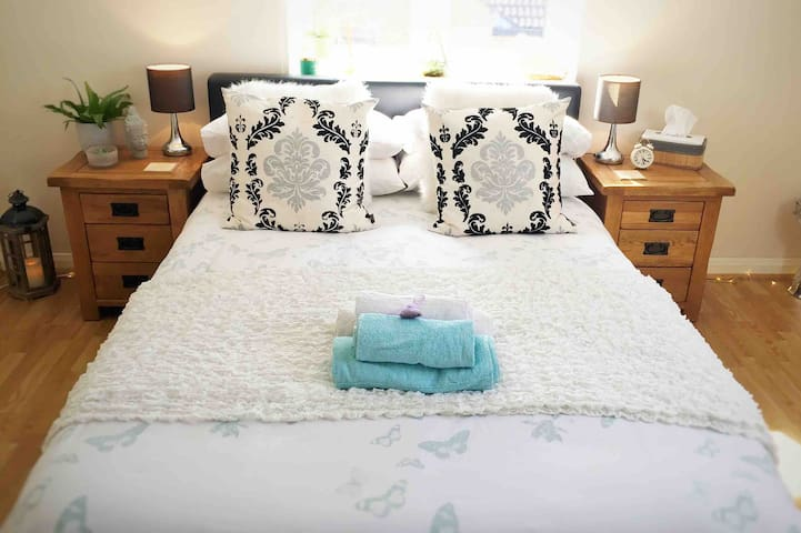 Ahimsa Pad - Close to Box Hill, London & Gatwick