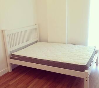 *Luxury New Development Double bedroom Apartment* - Dagenham