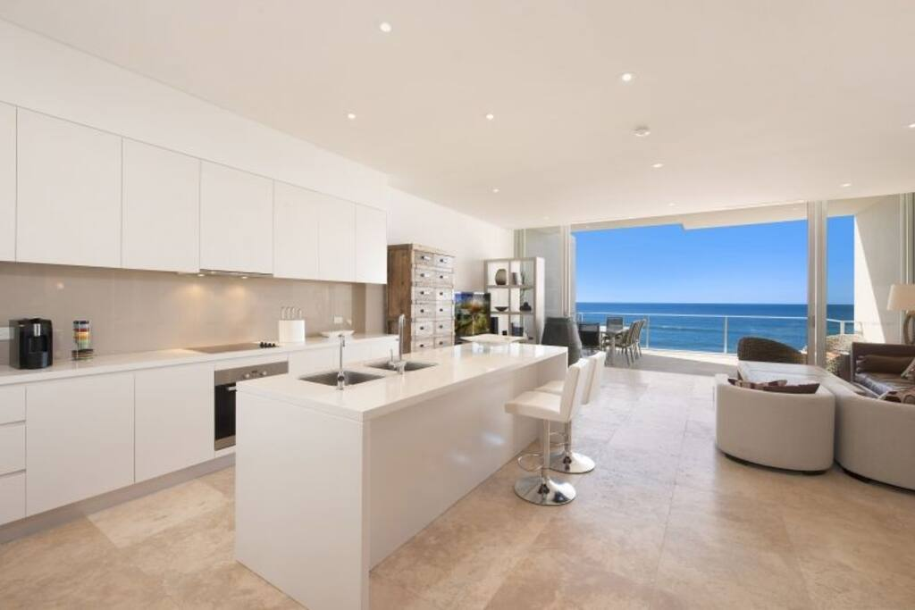 Fully equipped Kitchen with Miele appliances