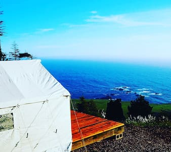 Glamping tent 400 ft above the Pacific Ocean - Stewarts Point