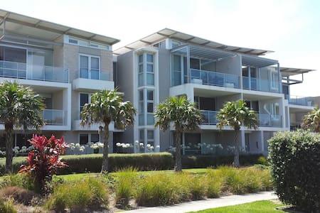 Modern 3BD apartment beach escape - Hawks Nest - Wohnung