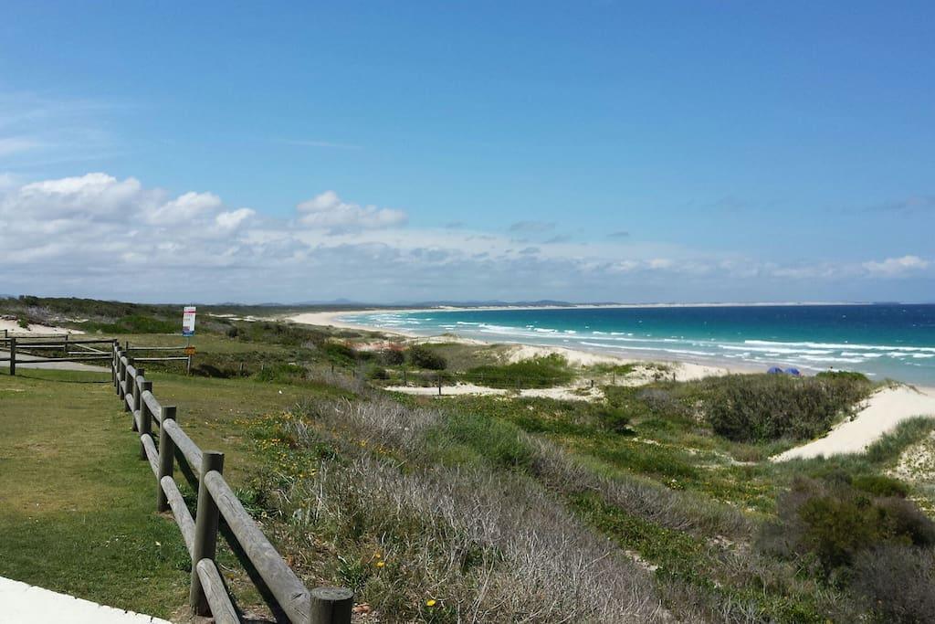 Bennett's beachfront looking north
