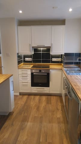 Lovely Clifton Flat - totally refurbished.