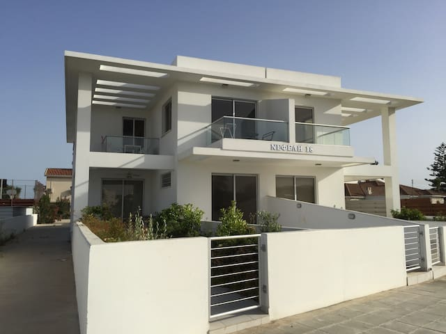 Brand New 2 bedroom apartment - Pyla - Pis