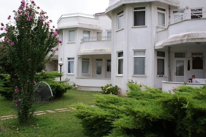 Private Villa in Yalova with public pool ! - Osmangazi - Willa