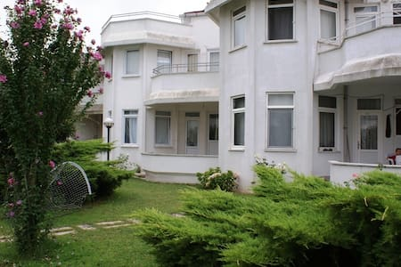 Private Villa in Yalova with public pool ! - Osmangazi