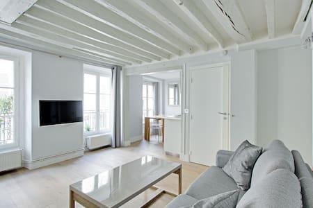 Chic 34sqm 1-BDR - Champs Elysees - Parijs - Appartement