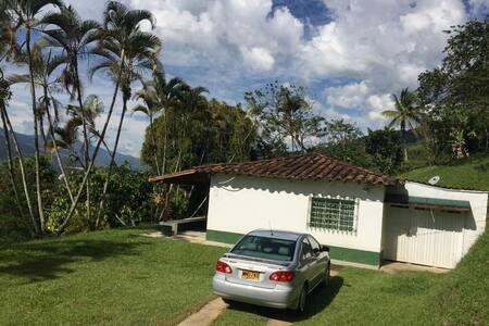 Finca campesina en Molino Viejo - Barbosa