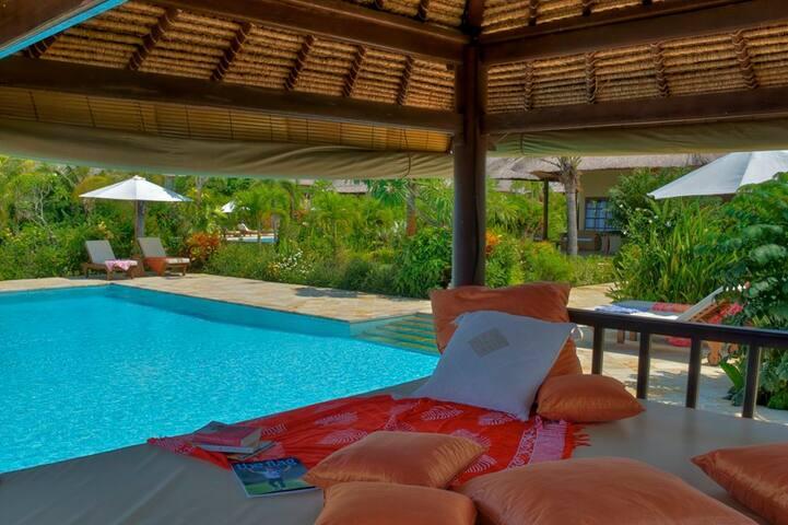 de meest ontspannende plek voor een mooi boek of massage.