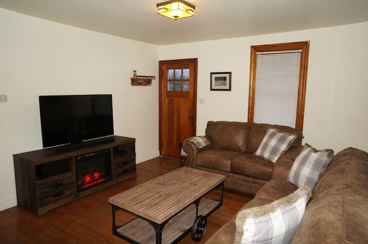 ***Newly renovated Cottage***