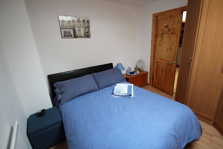 St.Germans CORNWALL  - comfy room for 2 people