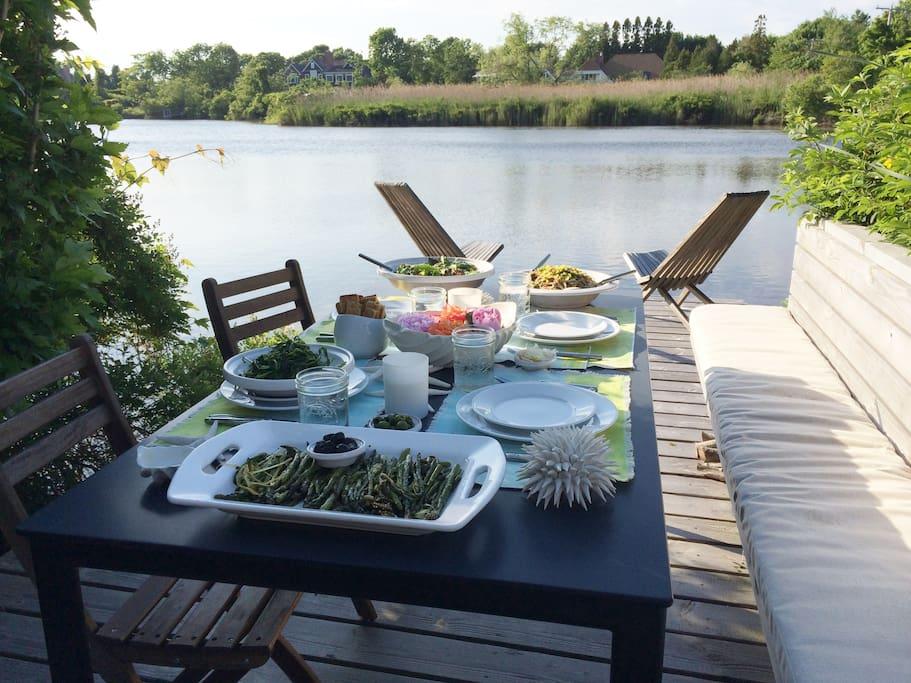 Dining Dock