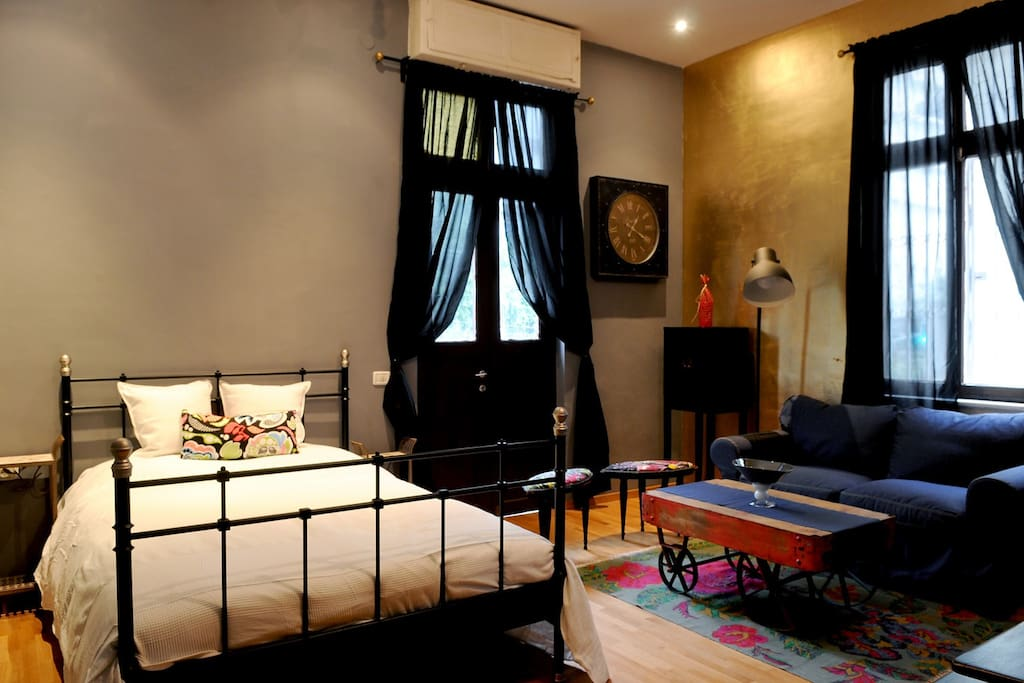 Eclectic hotel tlv studio apt apartments for rent in for Eclectic hotels