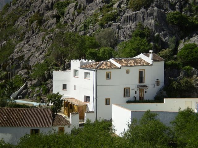 B&B Casa el Corchito aan rand dorp. - Montejaque - Bed & Breakfast